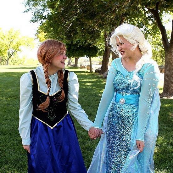 12. Frozen: Anna og Elsa