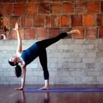 Yoga utgjøre — half moon