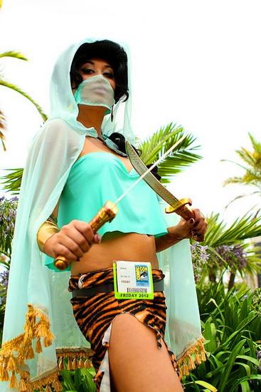 13. Kostyme voksen Jasmine