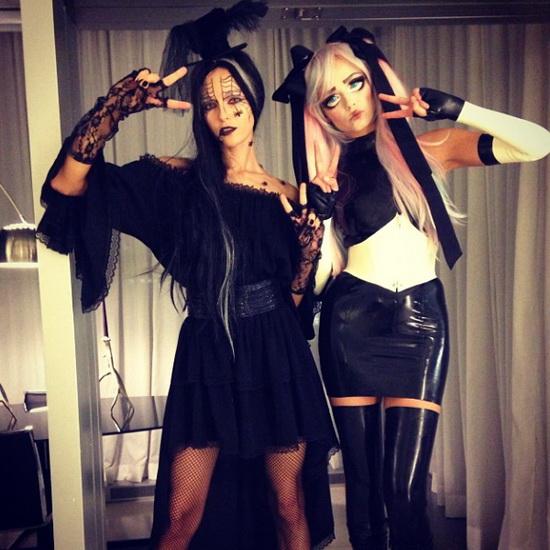 2. Modeller i Halloween-kostymer