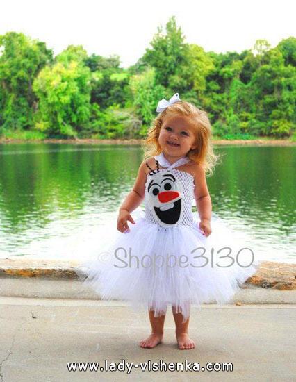 2. Kostymer for små jenter fra 1 år til 3 år