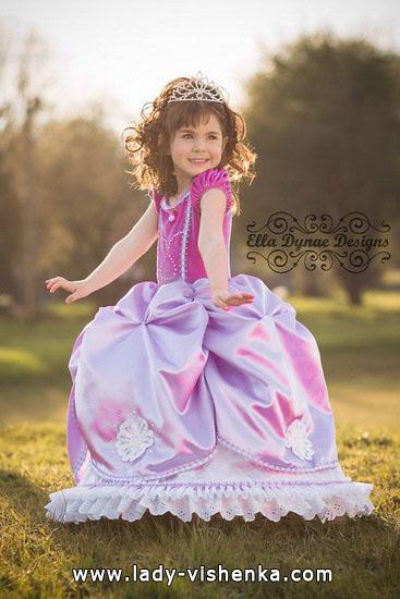 13. Kostymer for små jenter 4 år - 6 år