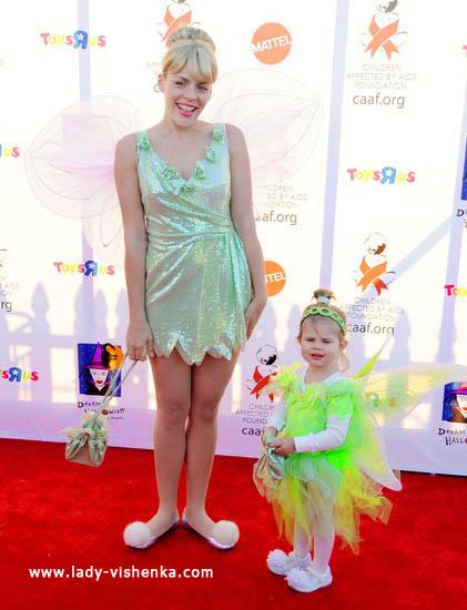17. Kostymer for små jenter fra 1 år til 3 år