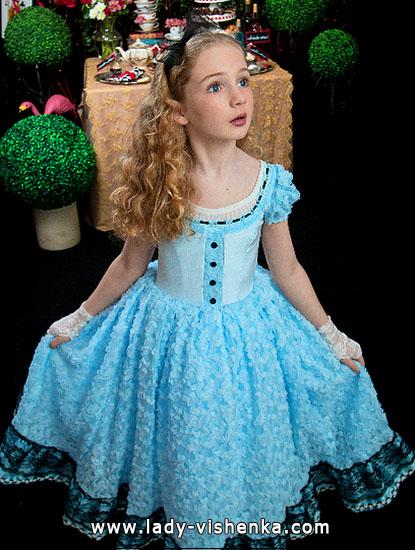 19. Kostymer for små jenter 4 år - 6 år