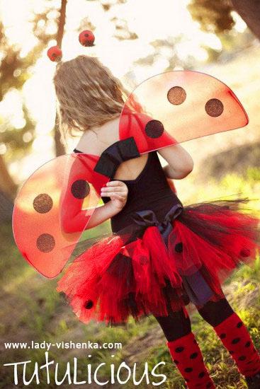 28. Kostymer for små jenter 4 år - 6 år