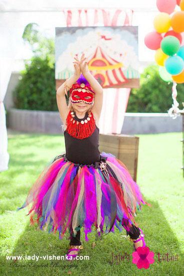 29. Kostymer for små jenter 4 år - 6 år