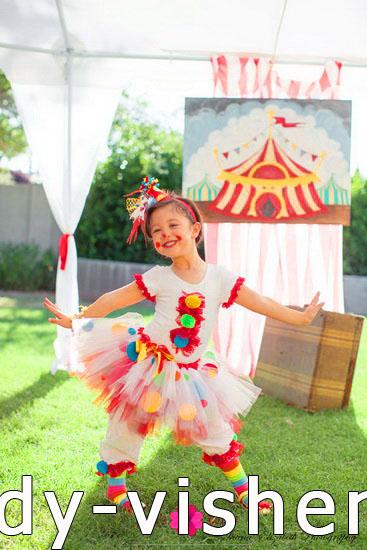 30. Kostymer for små jenter 4 år - 6 år