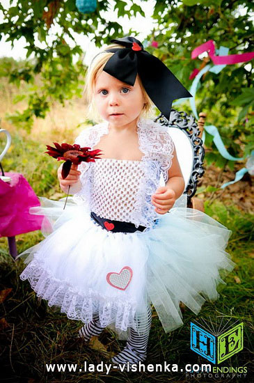 34. Kostymer for små jenter 4 år - 6 år