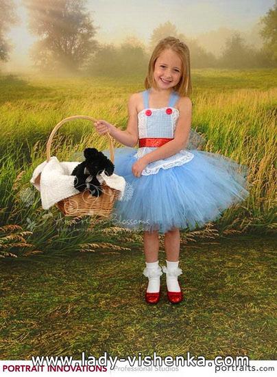 42. Kostymer for små jenter 4 år - 6 år
