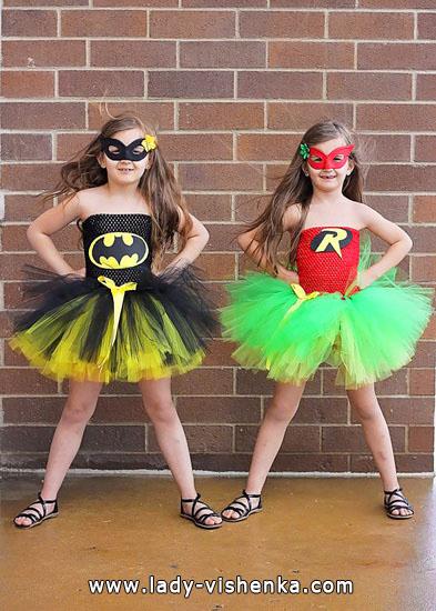54. Kostymer for små jenter 4 år - 6 år