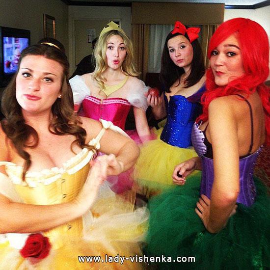 Kostymer Disney prinsesser på Halloween