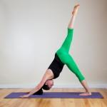 Yoga — En tre-legged hund