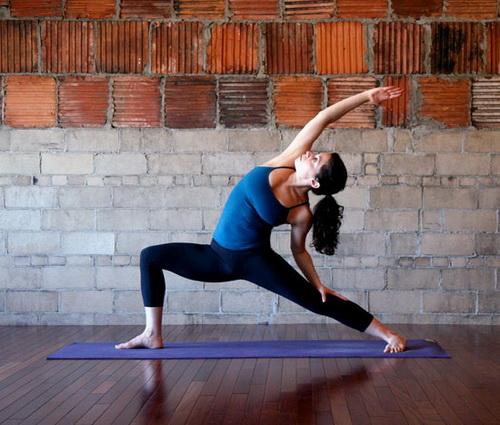 yoga Positur, the Crescent moon