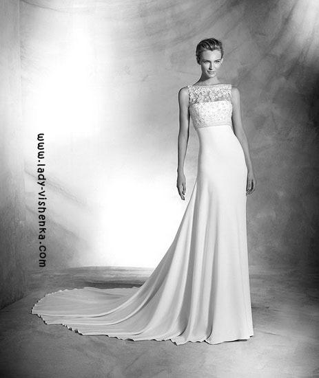 White wedding dress Pronovias