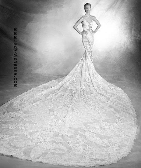 Blonder kjole tog Pronovias