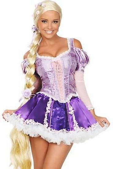 En Rapunzel kostyme for Halloween