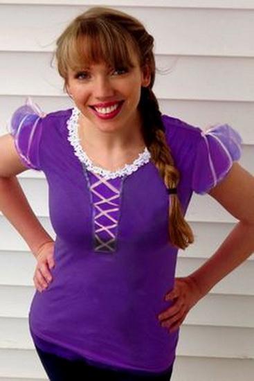 Rapunzel kostyme for Halloween med hendene