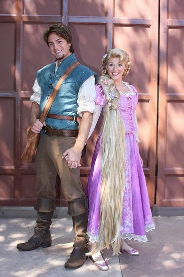 Bilder av Rapunzel og Flynn for Halloween