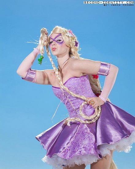 Kort Rapunzel kostyme for Halloween