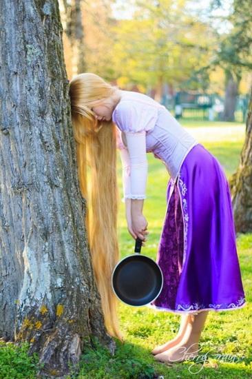 En vakker Rapunzel kostyme for Halloween