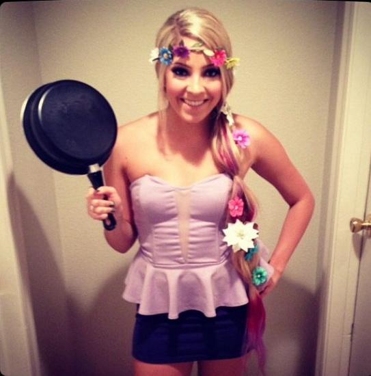En Rapunzel kostyme til Halloween.