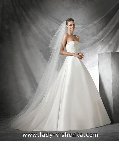 brudekjole i sateng våren 2016 - designer Pronovias