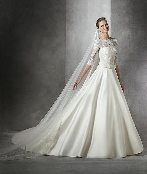 Satin Princess wedding dress med tog - Pronovias 2016