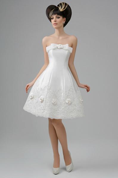 en Kort puffy wedding dress Prinsessen Tatiana Kaplun