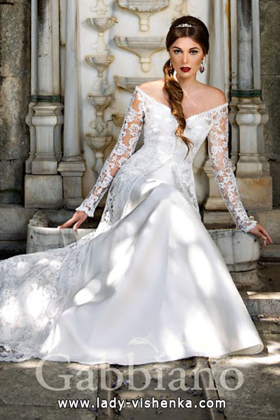 Wedding kjoler med blonder ermene bilder Gabbiano