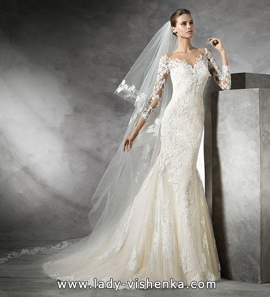 Wedding dress fisk med blonder ermer - Pronovias