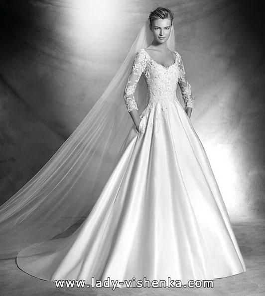 Wedding kjoler med blonder ermene nye bilder - Pronovias