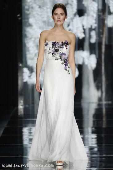 Vakre bryllup kjole med blomster YolanCris